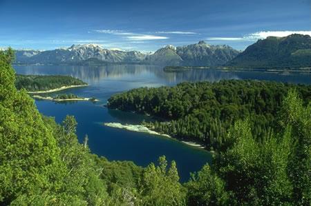 Continent: America de Sud - Tara: Chile – Argentina Obiectiv: Expeditie in Patagonia si...